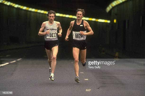 Dick Beardsley of USA and Inge Simonsen of Norway in action during the London Marathon in London England Mandatory Credit Tony Duffy/Allsport