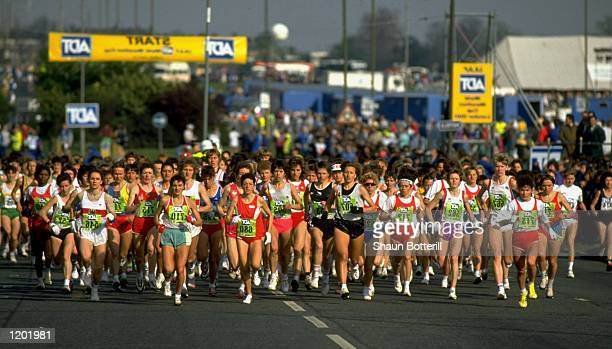 General view of the start of the Womens Race during the ADT London Marathon Mandatory Credit Shaun Botterill/Allsport