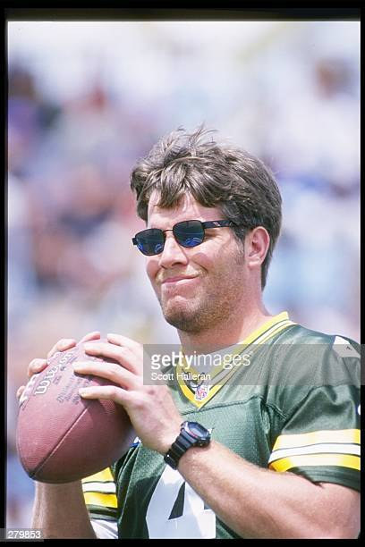 Quarterback Brett Favre of the Green Bay Packers prepares to throw the ball at the Disney''s Wide World of Sports Quarterback Challenge in Orlando...