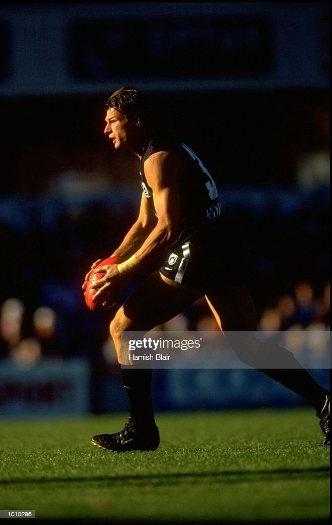 Aaron Hamill of the Carlton Blues in action during the AFL Premiership Round 5 match against the Geelong Cats at the Optus Oval, Melbourne, Australia. The Geelong Cats (115) defeated the Carlton Blues (65). \ Mandatory Credit: Hamish Blair /Allsport