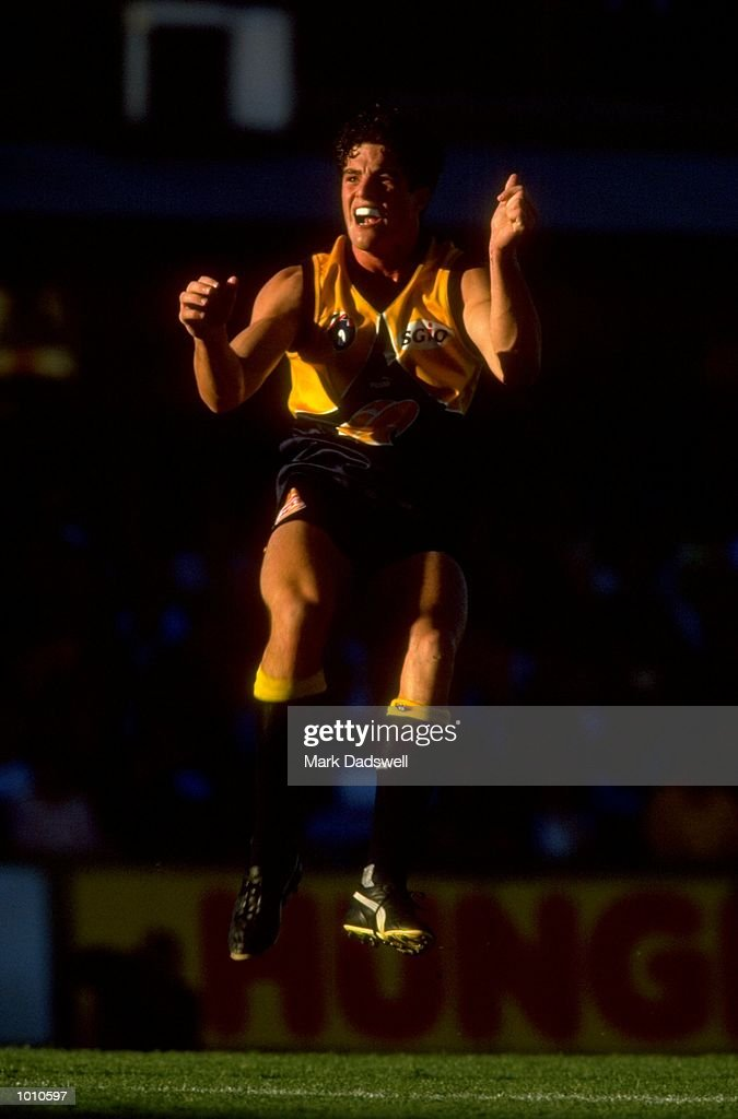 Andrew Williams of the West Coast Eagles in action during the 1999 AFL Premiership Round 4 match, where the West Coast (97) defeated Essendon (23) at the Subiaco Oval, Perth, Australia. \ Mandatory Credit: Mark Dadswell /Allsport