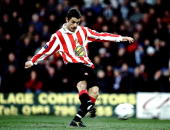 Kevin Phillips of Sunderland shoots against Bury in the Nationwide Division One match at Gigg Lane in Bury England Sunderland won 52 Mandatory Credit...