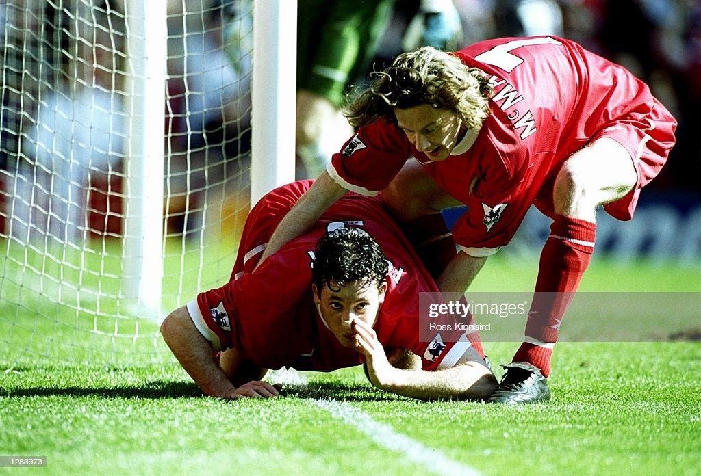 Liverpool v Everton Robbie Fowler : News Photo