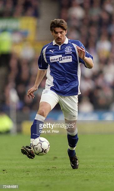 Alessandro Pistone of Everton runs with the ball during the FA Carling Premiership match against Liverpool played at Goodison Park in Liverpool...