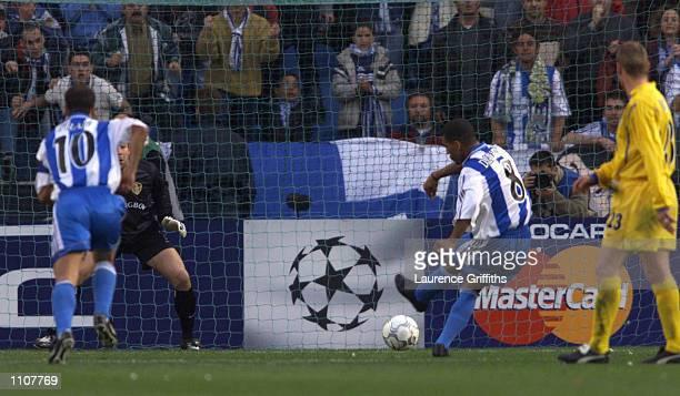 Djalminha of Deportivo La Coruna scories the first goal during the UEFA Champions League Quarterfinal 2nd Leg between Deportivo La Coruna and Leeds...
