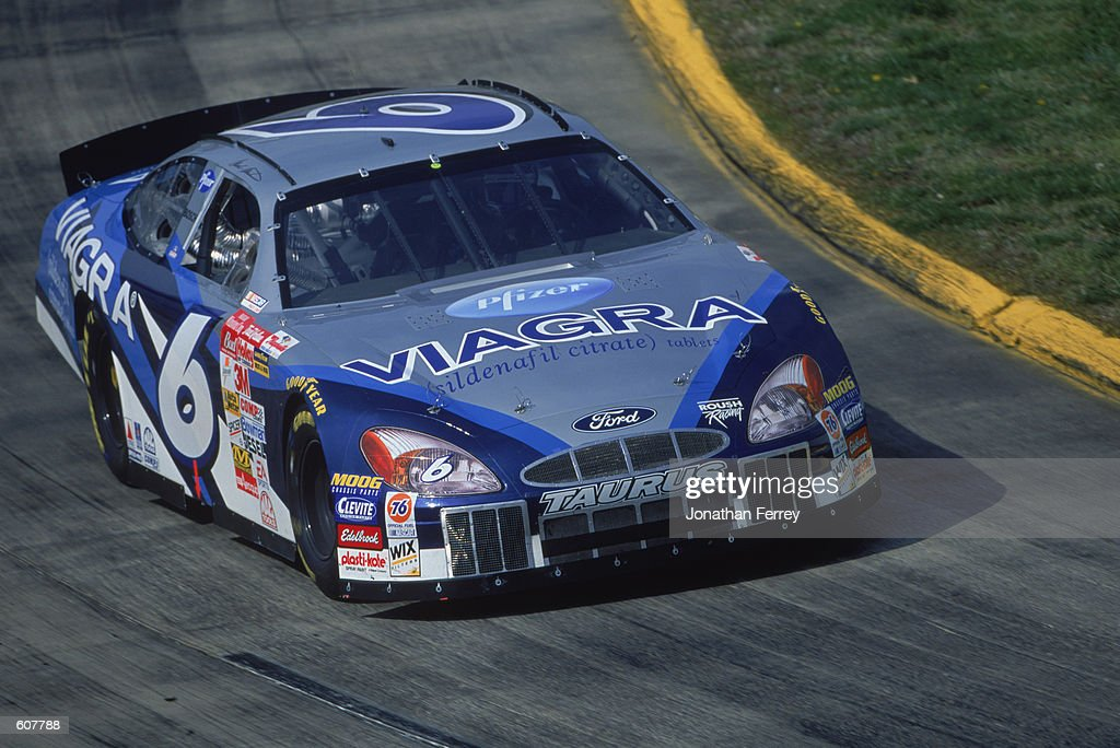 Mark Martin is driving on the track : News Photo