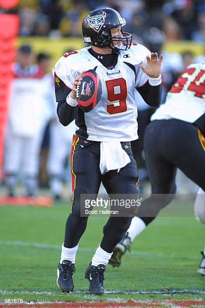Mike Pawlawski looks downfield to pass against the Los Angeles Xtreme during the XFL Championship game at the Los Angeles Coliseum in Los Angeles...
