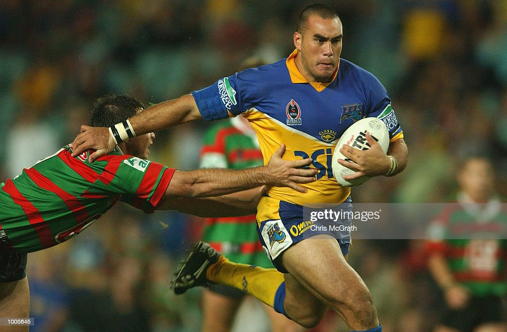 Alex Chan #16 of the Eels breaks away from the Rabbitohs defence during the Round 6 NRL match between the South Sydney Rabbitohs and the Parramatta Eels held at Aussie Stadium, Sydney, Australia. DIGITAL IMAGE. Mandatory Credit: Chris McGrath/Getty Images