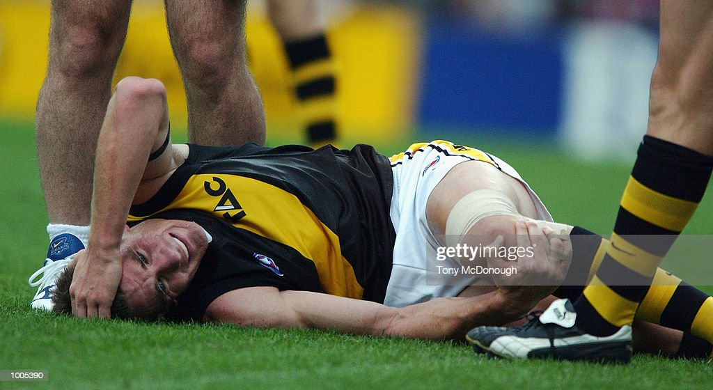 Ben Holland #16 for the Tigers injures his knee during the AFL match between the Fremantle Dockers and the Richmond Tigers, played at the Subiaco Oval, Western Australia. DIGITAL IMAGE Mandatory Credit: Tony McDonough/Getty Images