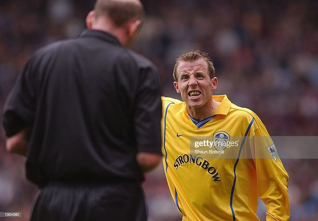 Lee Bowyer of Leeds mouths off to the referee Barry Knight during the FA Barclaycard Premiership match between Aston Villa and Leeds United at Villa Park, Birmingham. DIGITAL IMAGE. Mandatory Credit: Shaun Botterill/Getty Images