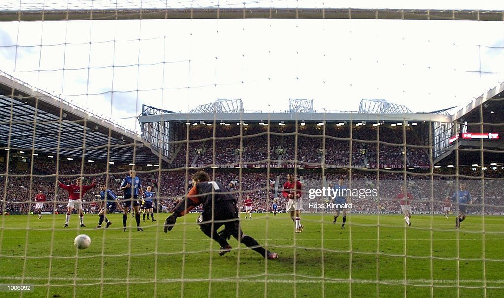 Ole Gunnar Solskjaer of Man Utd scores the first goal during the Manchester United v Bayer Leverkusen UEFA Champions League Semi Final, First Leg match from Old Trafford, Manchester. DIGITAL IMAGE Mandatory Credit: Ross Kinnaird/Getty Images