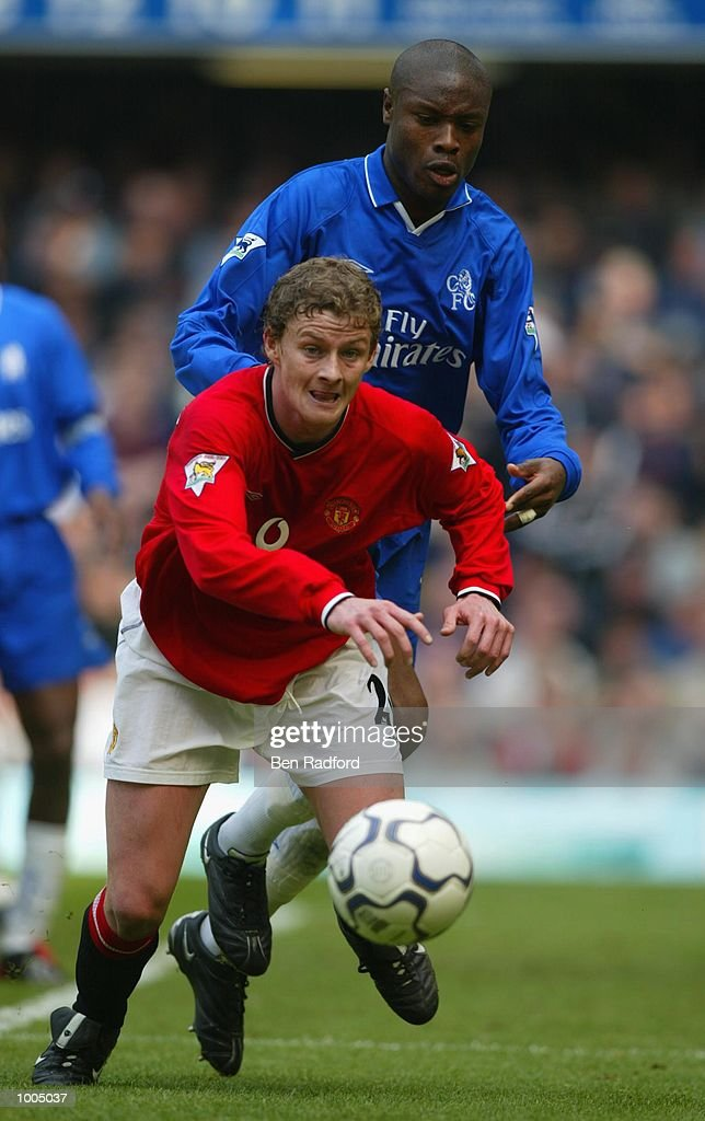 Ole Gunnar Solskjaer of Manchester United in action during the FA Barclaycard Premiership match between Chelsea and Manchester United at Stamford Bridge, London. DIGITAL IMAGE Mandatory Credit: Ben Radford/Getty Images