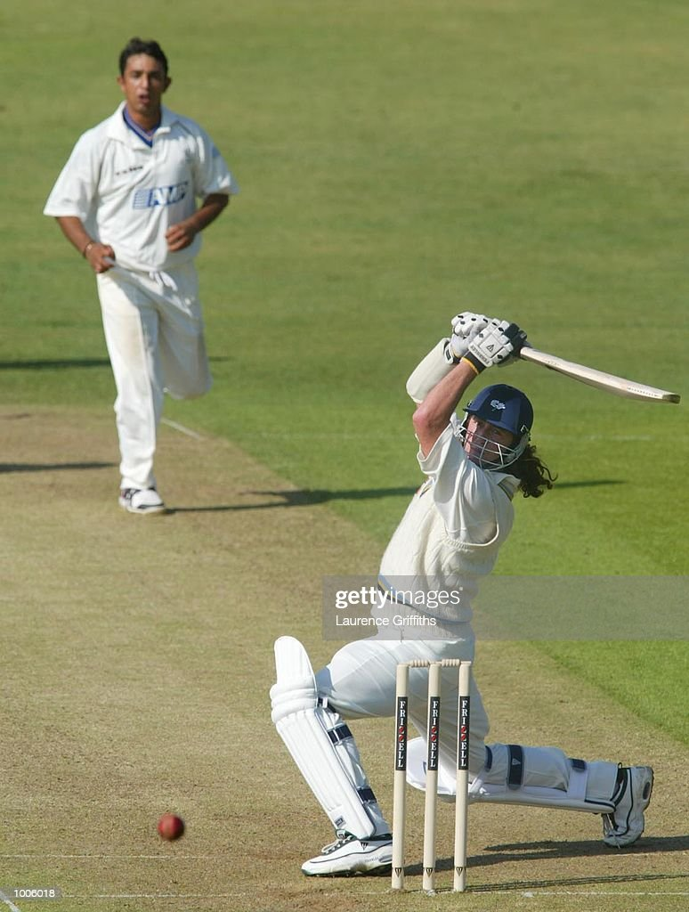 Ryan Sidebottom of Yorkshire during the Frizzell County Championship game between Yorkshire and Surrey at Headingley, Leeds. DIGITAL IMAGE Mandatory Credit: Laurence Griffiths/Getty Images