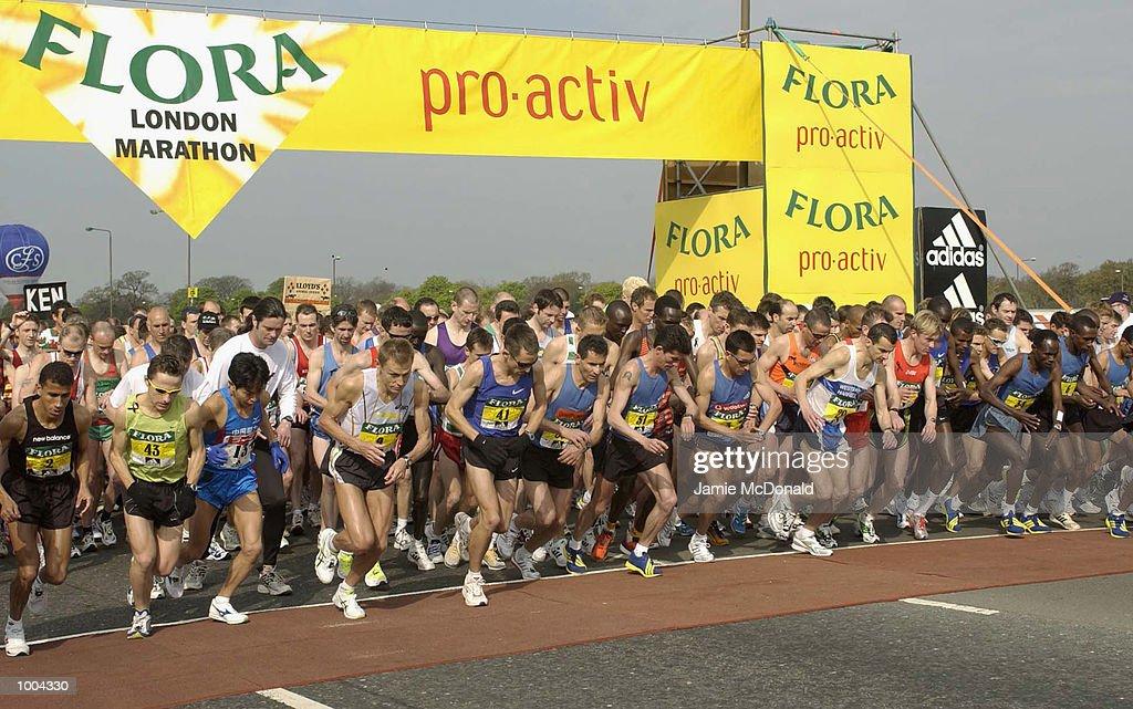 The start of the Mens Elite during the Flora London Marathon, Blackheath, London. DIGITAL IMAGE. Mandatory Credit: Jamie McDonald/Getty Images