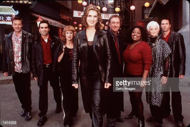 April 11 2000 Brooke Shields Kathy Griffin Rob Estes Currie Graham and Nestor Carbonell stars in 'Suddenly Susan' Photo Kevin Foley/NBC