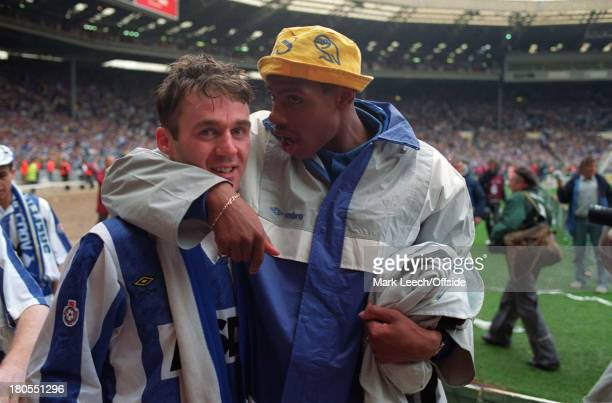 Manchester United v Sheffield Wednesday Rumbelows Cup Final Goalscorer John Sheridan and Carlton Palmer celebrate victory for Wednesday