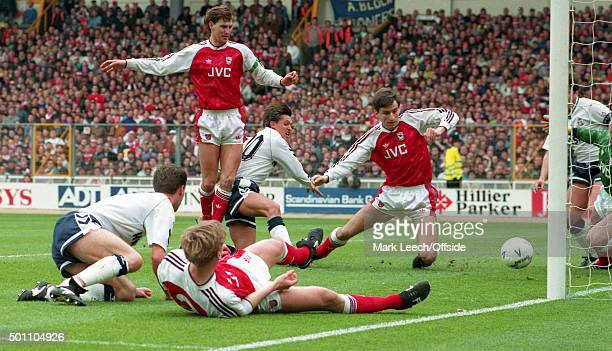 14 April 1991 Wembley FA Cup Semi Final Arsenal v Tottenham Hotspur Gary Lineker scores the second goal for Tottenham
