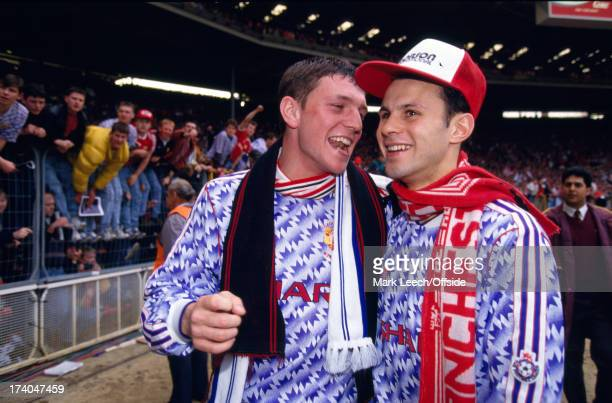 12 April 1992 Football League Cup Final Manchester United players Lee Sharpe and Ryan Giggs celebrate victory over Nottingham Forest at Wembley
