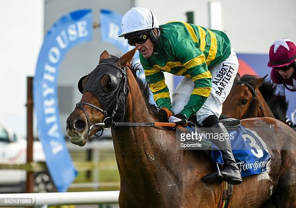 6 April 2015 Jockey Tony McCoy onboard his mount Flaming Dawn during the Rathbarry Glenview Studs Novice Hurdle Fairyhouse Easter Festival Fairyhouse...