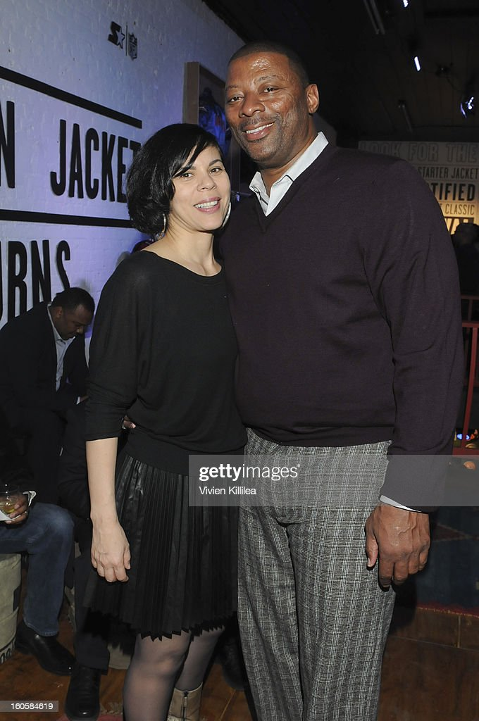 April Walker and former NFL player Carl Banks attend Starter Parlor - Super Bowl XLVII on February 2, 2013 in New Orleans, Louisiana.