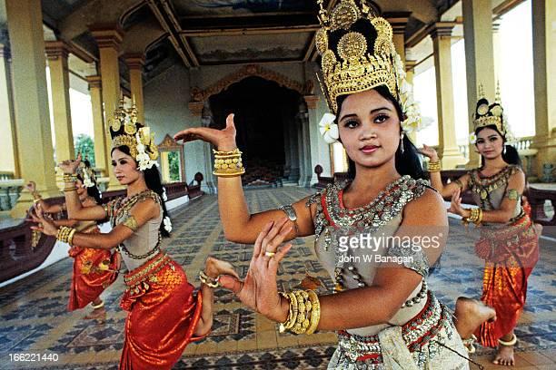 Apsara dance, Phnom Penh