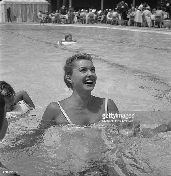 Esther Williams Stock Photos And Pictures Getty Images