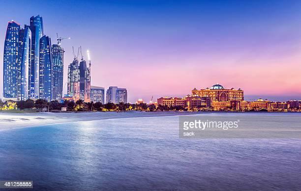 Árabe noches en Abu Dhabi (UAE)