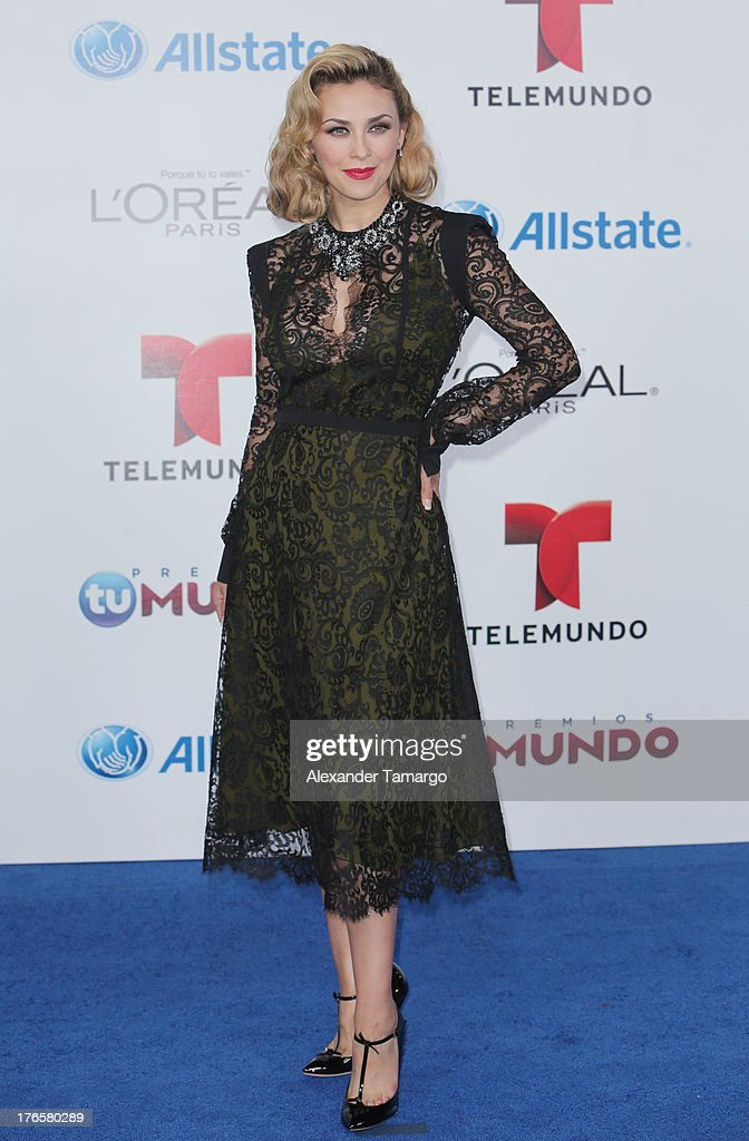 <a gi-track='captionPersonalityLinkClicked' href=/galleries/search?phrase=Aracely+Arambula&family=editorial&specificpeople=2902803 ng-click='$event.stopPropagation()'>Aracely Arambula</a> attends Telemundo's Premios Tu Mundo Awards at American Airlines Arena on August 15, 2013 in Miami, Florida.