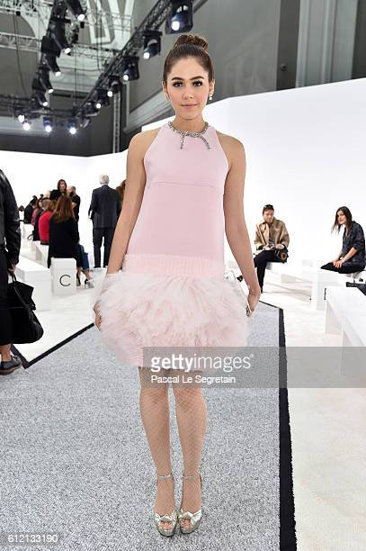 Araya A Hargate attends the Giambattista Valli show as part of the Paris Fashion Week Womenswear Spring/Summer 2017 on October 3 2016 in Paris France