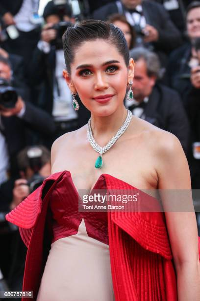 Araya Hargate attend the 'The Meyerowitz Stories' screening during the 70th annual Cannes Film Festival at Palais des Festivals on May 21 2017 in...