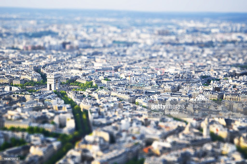 CONTENT] Arc de Triomphe and surrounding city, Paris, France shot as a 'tilt shift miniature, April 2009.