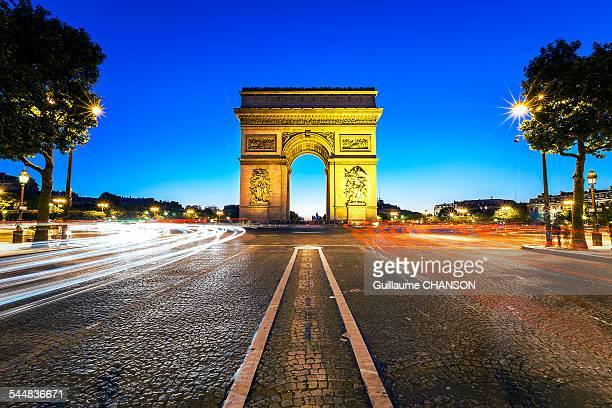 Arc de Triomphe de l'etoile et champs elysees
