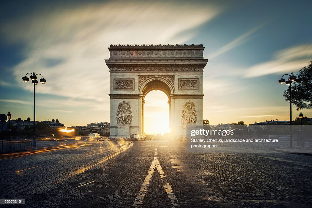 Arc de Triomphe sunrise