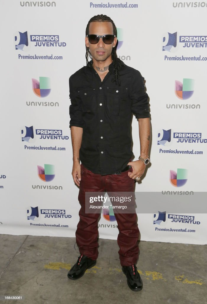 Arcangel attends Univisions Premios Juventud Awards Nominees press conference at Univision Headquarters on May 9, 2013 in Miami, Florida.