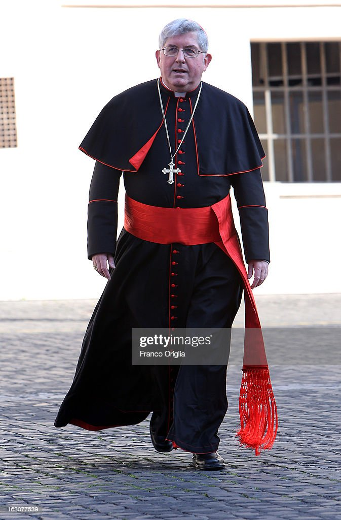Archbishop of Toronto cardinal Thomas Collins arrives at the Paul VI hall for the opening of the Cardinals' Congregations on March 4, 2013 in Vatican City, Vatican. The congregations of cardinals will continue until all cardinal electors have arrived in Rome, whereupon the College will decide on the start-date of the Conclave to elect a new Pope.