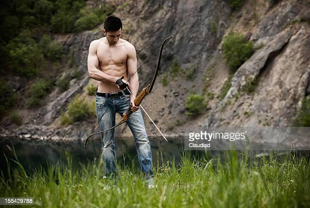 Archer in wunderschöner Landschaft