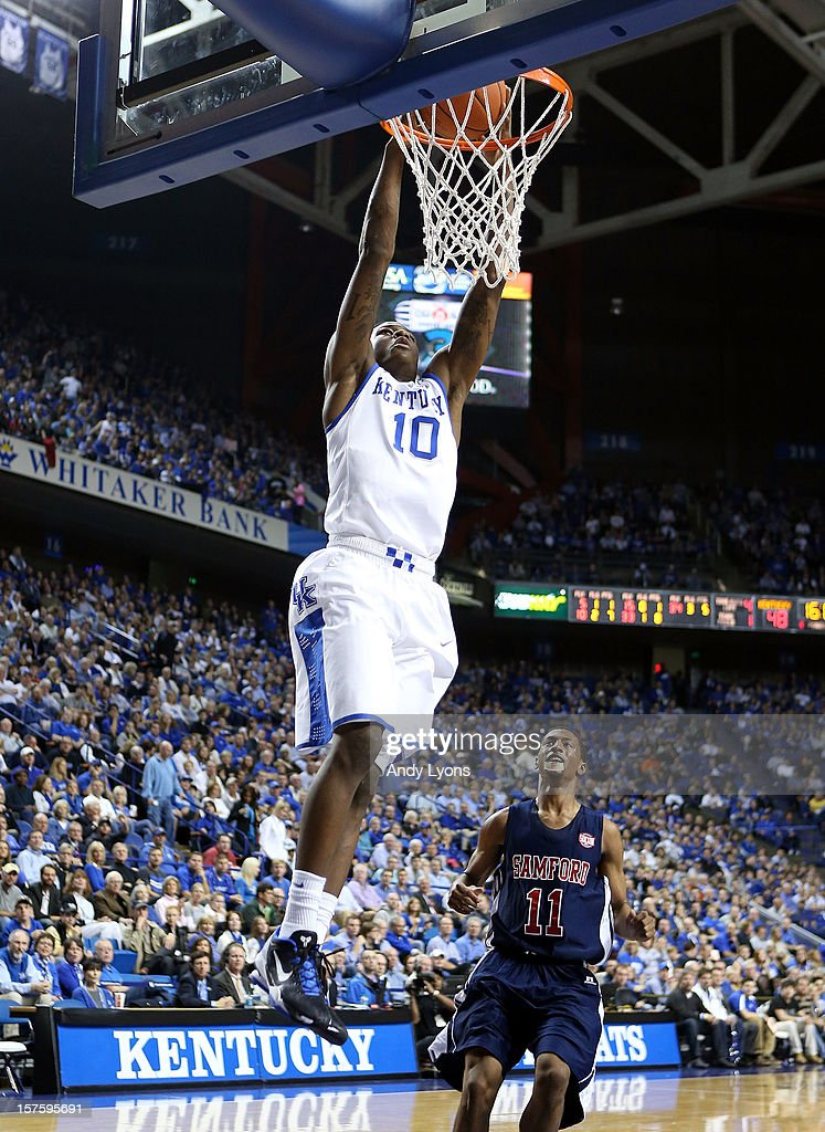 Archie Goodwin #10 of the Kentucky Wildcats dunks the ball during the game against the Samford Bulldogs at Rupp Arena on December 4, 2012 in Lexington, Kentucky. Kentucky won 88-56.