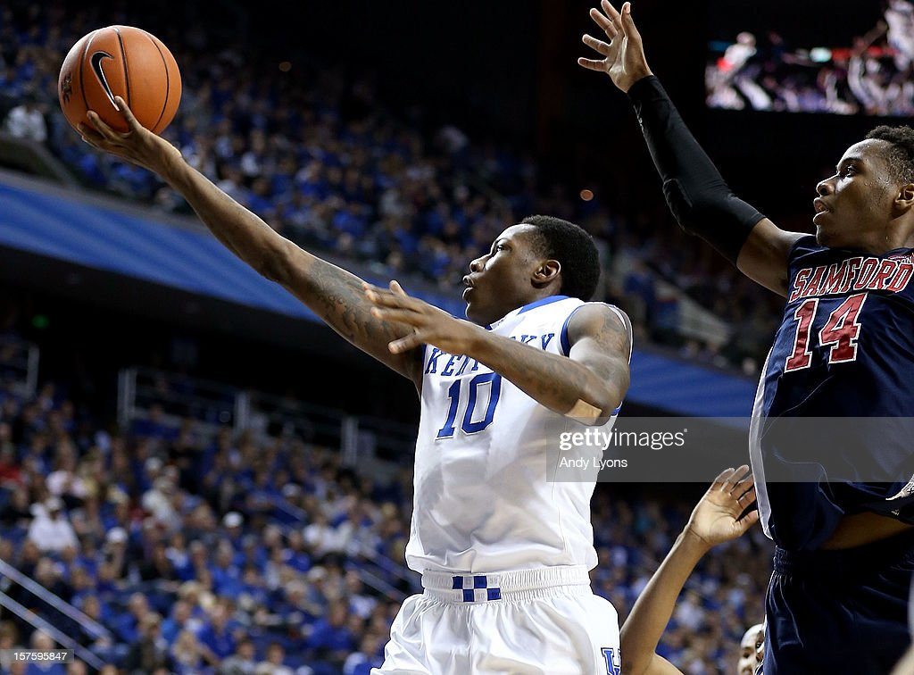 Archie Goodwin #10 of the Kentucky Wildcats shoots the ball during the game against the Samford Bulldogs at Rupp Arena on December 4, 2012 in Lexington, Kentucky. Kentucky won 88-56.