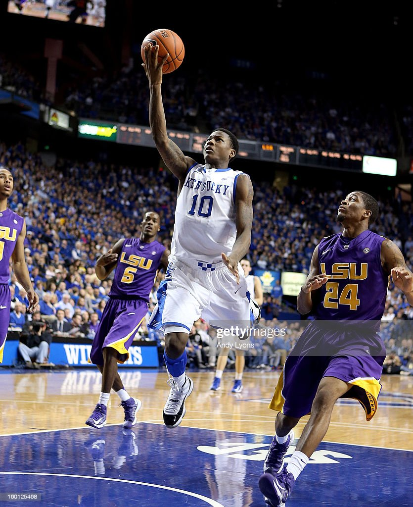 <a gi-track='captionPersonalityLinkClicked' href=/galleries/search?phrase=Archie+Goodwin&family=editorial&specificpeople=9086088 ng-click='$event.stopPropagation()'>Archie Goodwin</a> #10 of the Kentucky Wildcats shoots the ball during the game against the LSU Tigers at Rupp Arena on January 26, 2013 in Lexington, Kentucky.