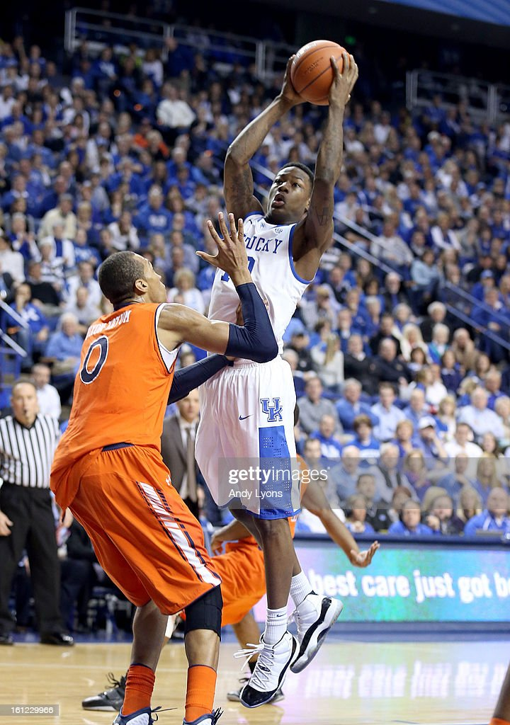 Archie Goodwin #10 of the Kentucky Wildcats shoots the ball during the game against the Auburn Tigers at Rupp Arena on February 9, 2013 in Lexington, Kentucky.