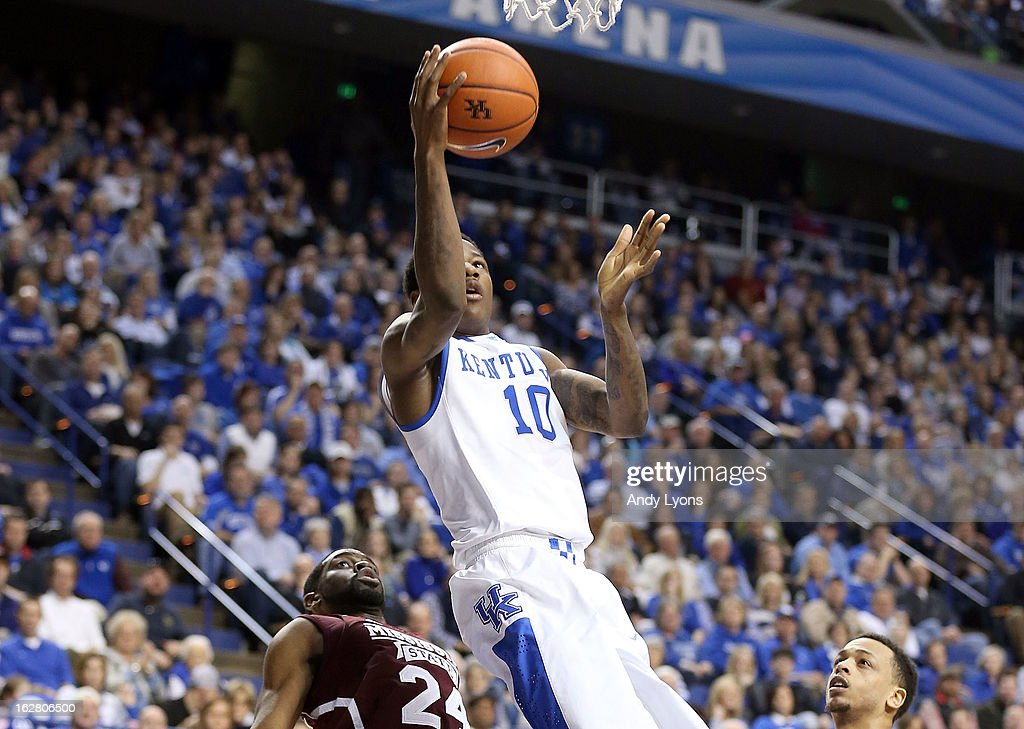 Archie Goodwin #10 of the Kentucky Wildcats shoots the ball during the game against the Mississippi State Bulldogs at Rupp Arena on February 27, 2013 in Lexington, Kentucky.