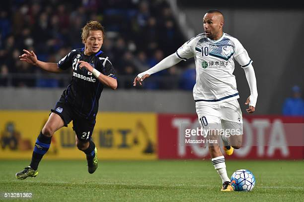 Archie Thompson of Melbourne Victory in action during the AFC Champions League Group G match between Gamba Osaka and Melbourne Victory at Suita City...