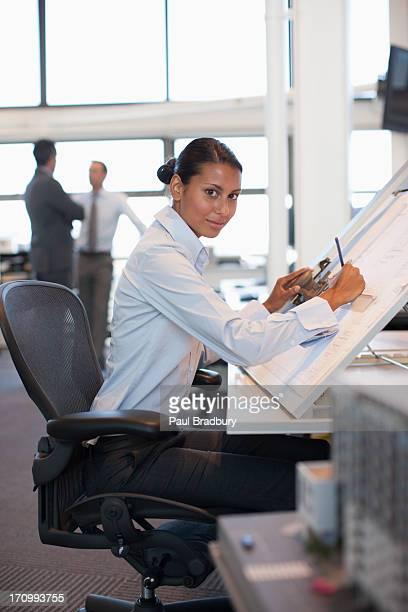 Tecnigrafo foto e immagini stock getty images for Ufficio architetto design