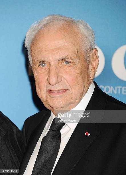 Architect Frank Gehry arrives at the 2015 MOCA Gala presented by Louis Vuitton at The Geffen Contemporary at MOCA on May 30 2015 in Los Angeles...