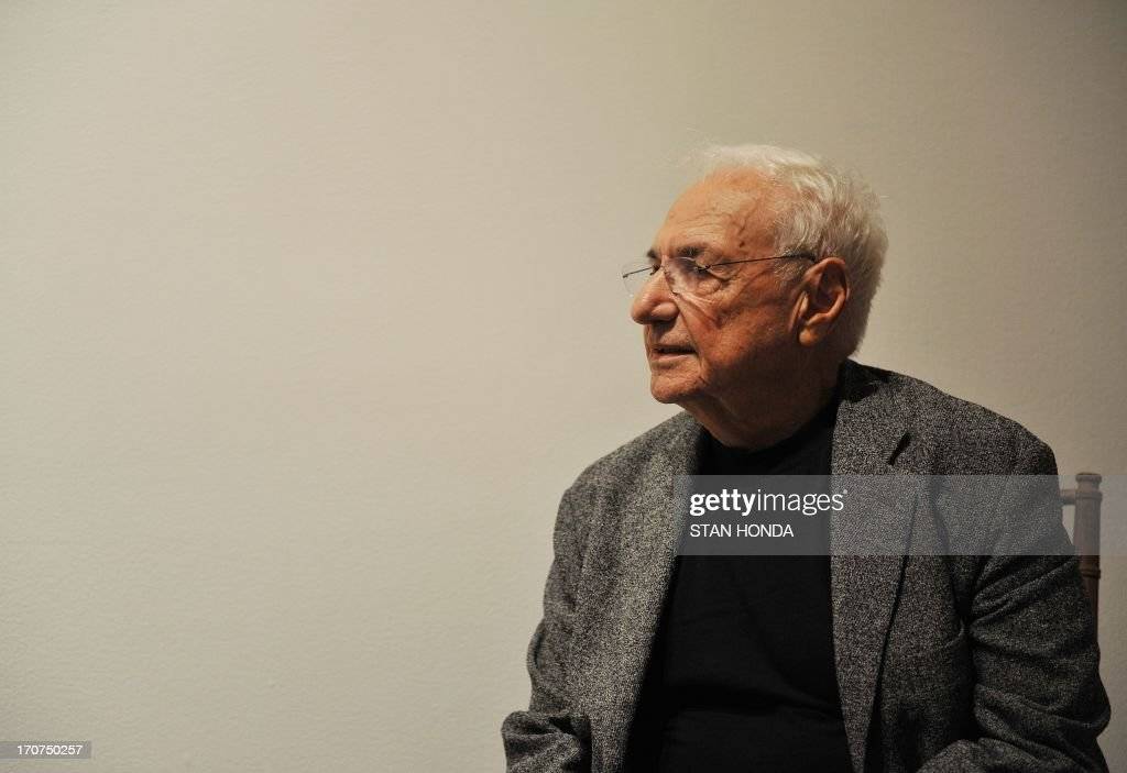 Architect Frank Gehry attends a preview of 'Ken Price Sculpture: A Retrospective' on June 17, 2003 at the Metropolitan Museum of Art in New York. AFP PHOTO/Stan HONDA