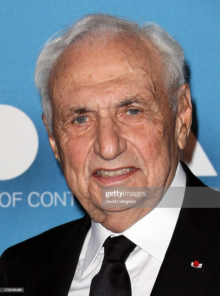 Architect <a gi-track='captionPersonalityLinkClicked' href=/galleries/search?phrase=Frank+Gehry&family=editorial&specificpeople=131842 ng-click='$event.stopPropagation()'>Frank Gehry</a> attends the MOCA Gala 2015 presented by Louis Vuitton at The Geffen Contemporary at MOCA on May 30, 2015 in Los Angeles, California.