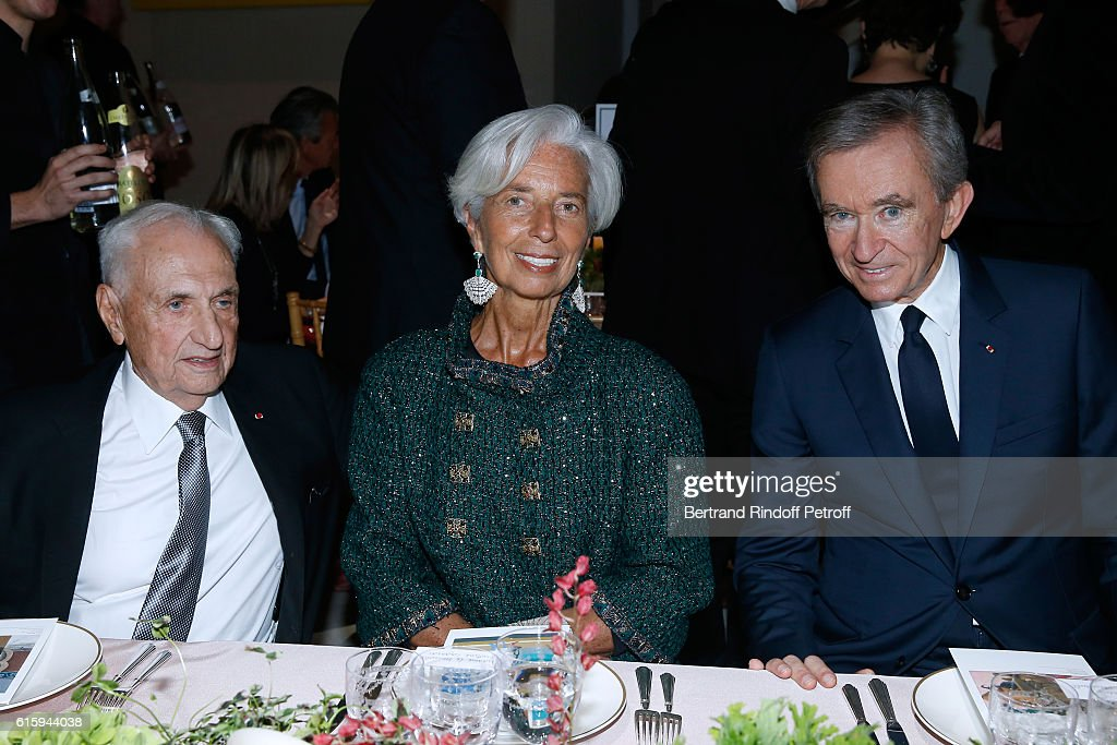 Architect Frank Gehry, IMF Managing Director Christine Lagarde and Owner of LVMH Luxury Group Bernard Arnault attend the 'Icones de l'Art Moderne, La Collection Chtchoukine' : Cocktail at Fondation Louis Vuitton on October 20, 2016 in Paris, France.