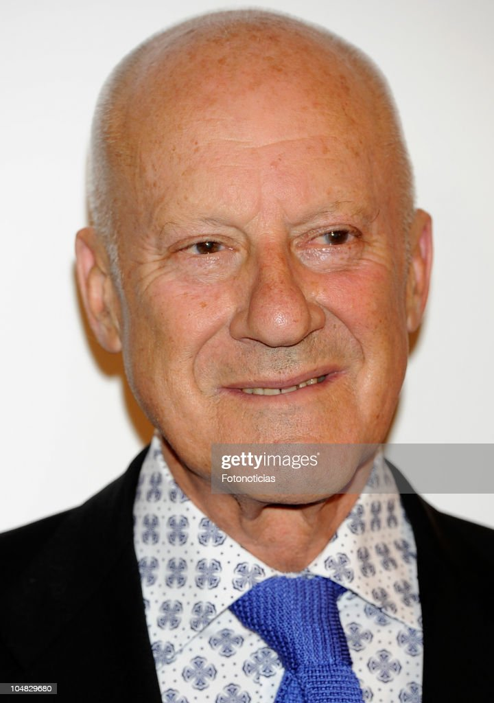 Architect <a gi-track='captionPersonalityLinkClicked' href=/galleries/search?phrase=Norman+Foster&family=editorial&specificpeople=138395 ng-click='$event.stopPropagation()'>Norman Foster</a> attends 'How Much Does Your Building Weigh, Mr. Foster?' premiere at the Verdi Cinema on October 5, 2010 in Madrid, Spain.