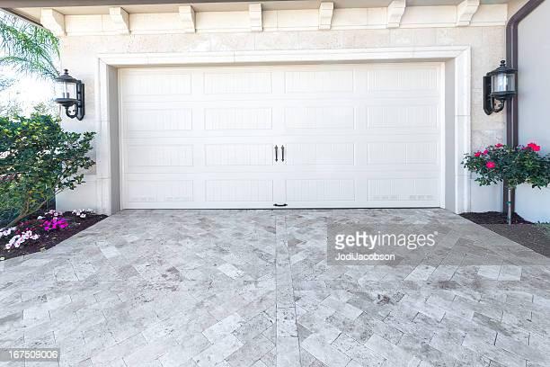 Architecture: Nouvelle maison avec un garage
