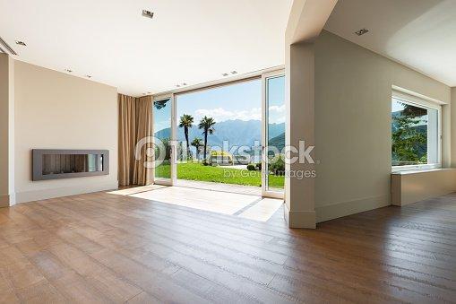 Architektur leere wohnzimmer stock foto thinkstock - Wohnzimmer architektur ...